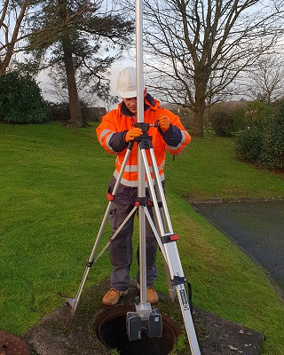 Laser Scanning Manhole with inverted Tripod